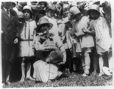 Mrs_coolidge_raccoon_easter