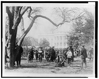 White_house_easter_egg_roll_1923