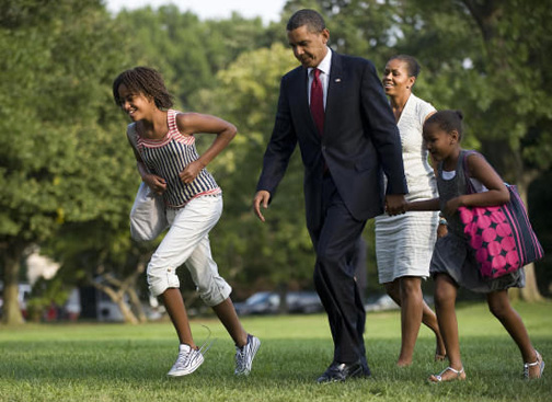 Obama_family_vacation_bo