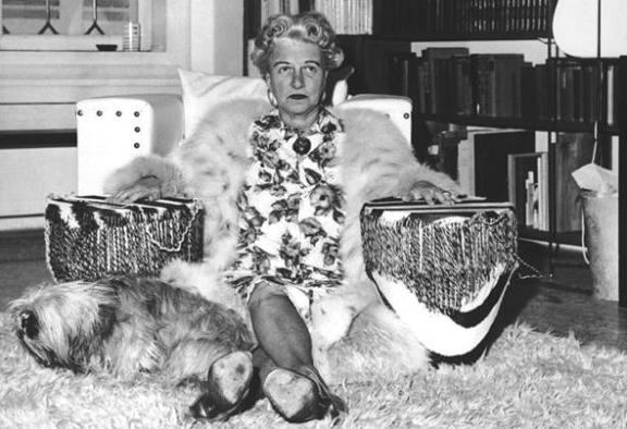 Peggy_guggenheim_dogs_3