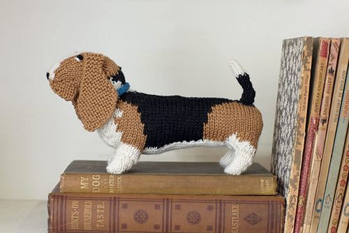Knit_your_own_dog_basset_hound