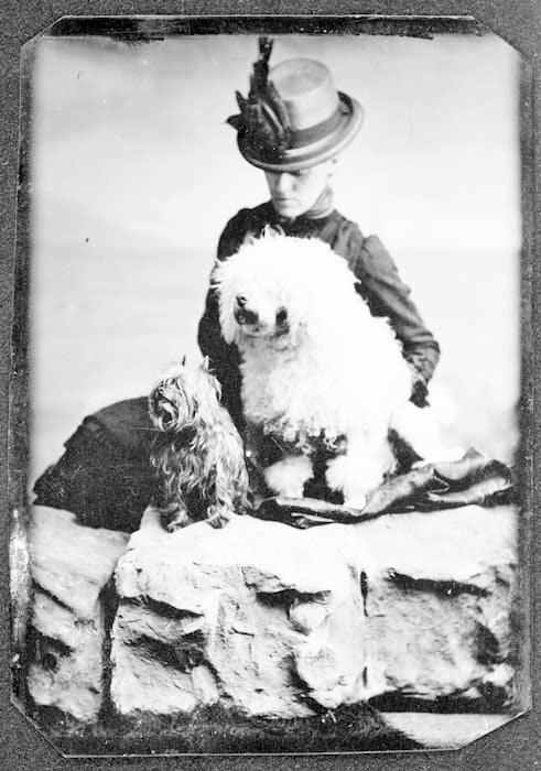 Edith_jones_wharton_with_two_dogs