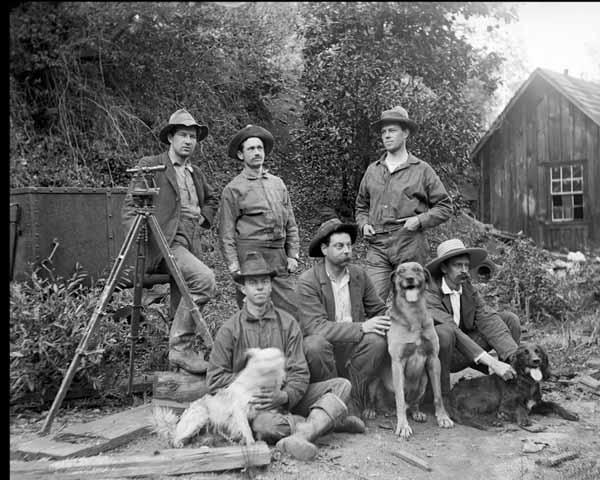 Everyday-dogs-calendar-university-summer-school-of-surveying-1898