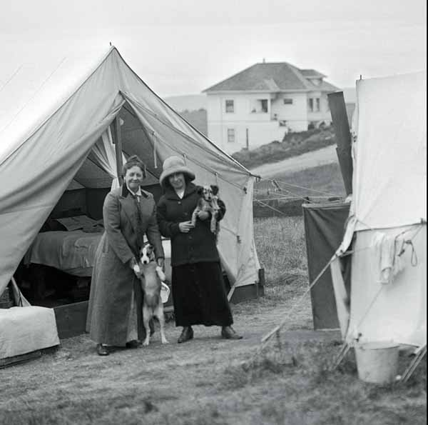 Everyday-dogs-calendar-happy-family-tent-city-san-francisco-earthquake-1906