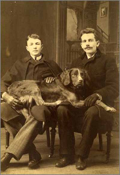 Vintage-photo-two-men-with-dog