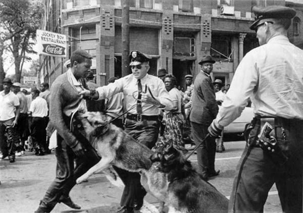 Birmingham_campaign_walter-gadsden-attacked-photo-by-bill-hudson