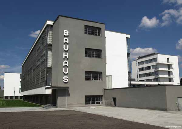Bauhaus-by-walter-gropius-1919-1925-photo-by-Claudio-divizia