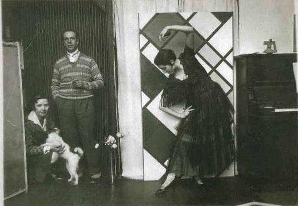 Theo van Doesburg nelly-Dada-Kamares-1925-2